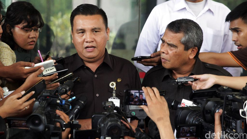 Komisi Kejaksaan Periksa Tim Jaksa Kasus Penyerangan Novel Baswedan