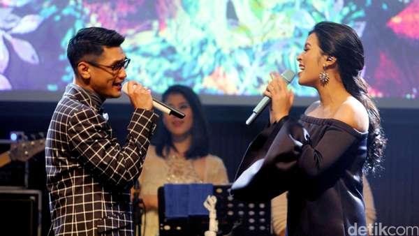 Romantisnya Konser Afgan dan Raisa