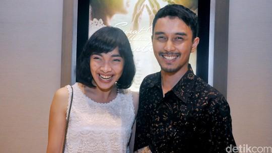Tika Bravani Gandeng Dimas Aditya di Premiere Surat Cinta untuk Kartini