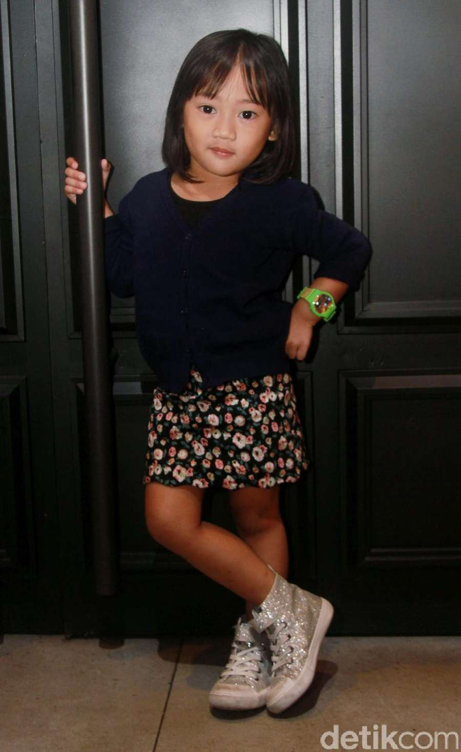 Aih, Putri Rian dMasiv Masih Kecil Sudah Lihai Berpose!