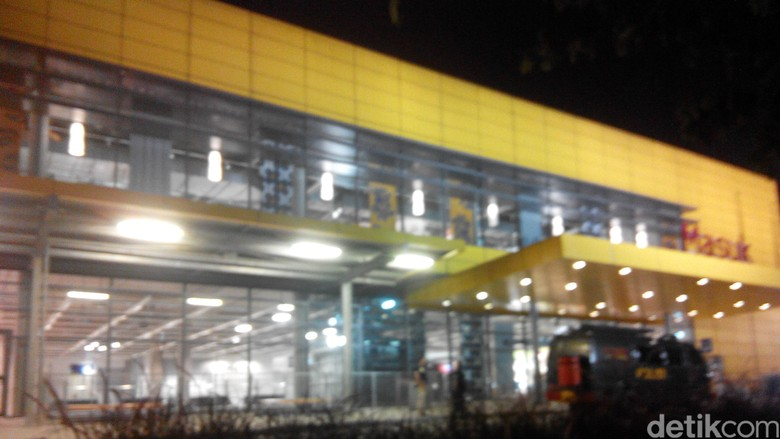 Situasi IKEA Alam Sutera Aman, Pengunjung Diperbolehkan Masuk Kembali