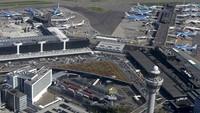 Bergeser ke negara Belanda. Bandara Schiphol kebanggaan Amsterdam berhasil duduk di peringkat 4 dengan total poin 286 (REUTERS/Yves Herman/Files)