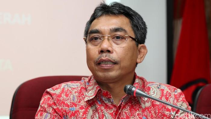 Wakil Ketua Bidang Pemenangan Pemilu DPD PDI Perjuangan DKI Jakarta Gembong Warsono di Kantor DPD PDIP Jakarta, Kamis (14/4/2016)