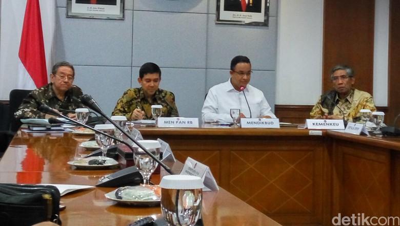Sejumlah Menteri Rapat Bahas Pengalihan Tenaga Pendidik dari Daerah ke Pemprov
