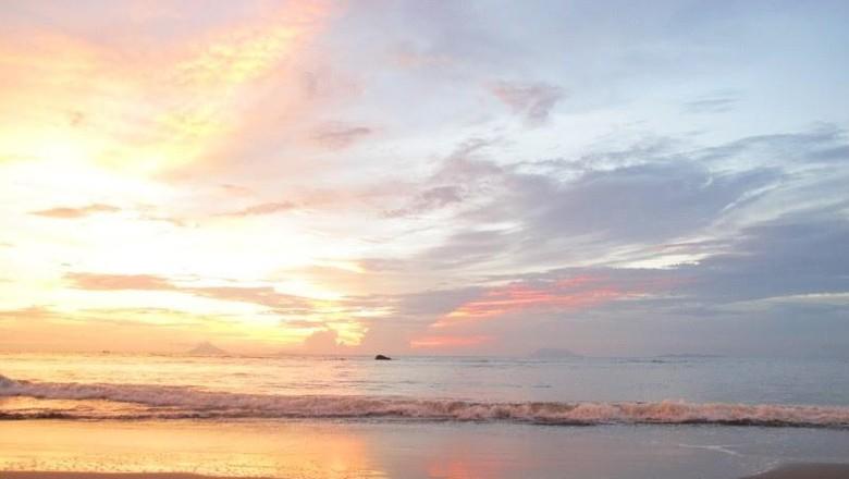 Foto: Sunset yang cantik di Anyer (Shafa/detikTravel)