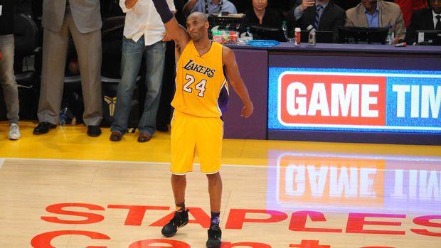 Kobe Bryant menggunakan nomor 8 dan 24 selama memperkuat LA Lakers selama 20 tahun.