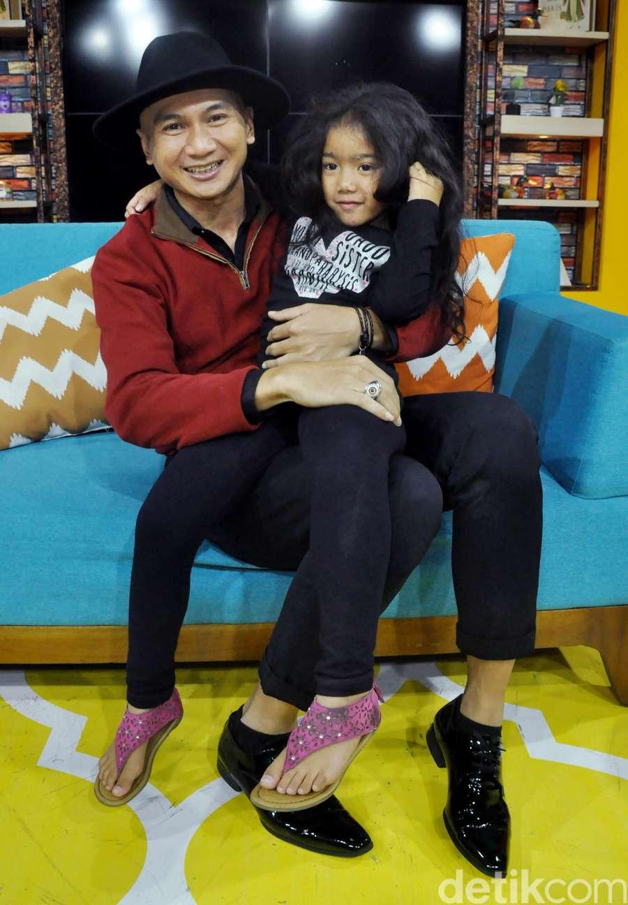 Kedekatan Anji dan Putrinya dari Sheila Marcia