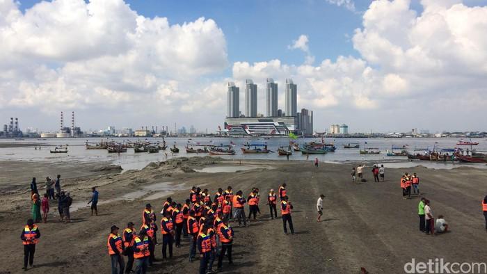 Penampakan Pulau G dari darat (Foto: Bisma Alief/detikcom)