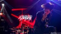 Band muda asal Bandung, Revenge the Fate.