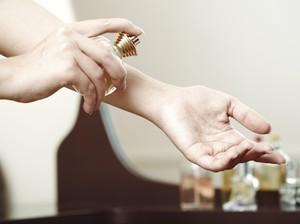 Pakai Parfum Berlebih di Tempat Kerja Bisa Bikin Karyawan Lain Sakit