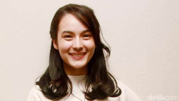 Penampilan Maia Estianti, Senyuman Chelsea Islan