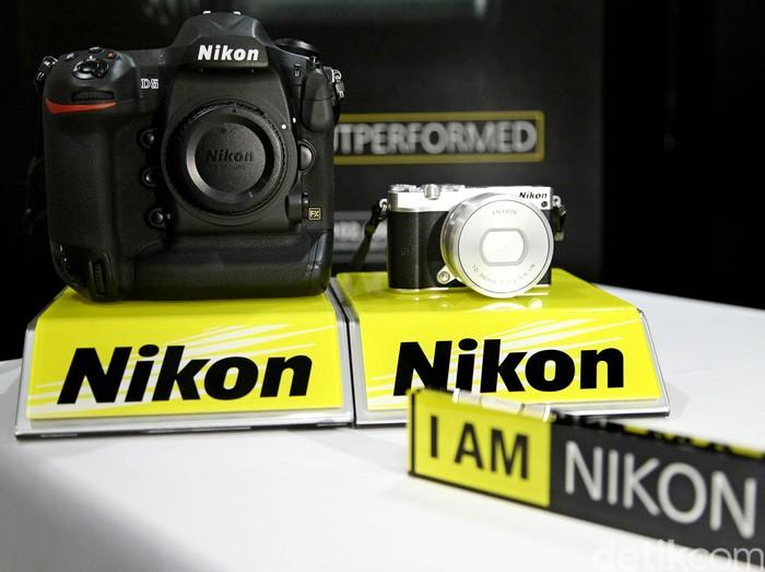 Nikon meluncurkan dua produk terbarunya yakni Nikon D5 dan J5. Nikon D5 dibanderol dengan harga Rp 80 jutaan, sedangkan Nikon J5 seharga Rp 5 jutaan.