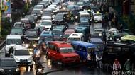 Ganjil Genap Depok Cuma Berlaku buat Mobil, Nakes-Ambulans Bebas