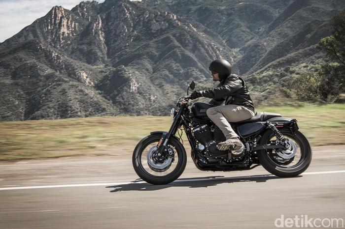 Pabrikan motor besar legendaris asal Amerika Serikat, Harley-Davidson meluncurkan Roadster model tahun 2016. Harley-Davidson Roadster akan mengisi jajaran motor Sportster Harley-Davidson.