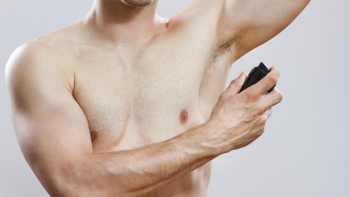 Deodoran biasa dipakai untuk mengatasi bau badan. (Foto: Thinkstock)