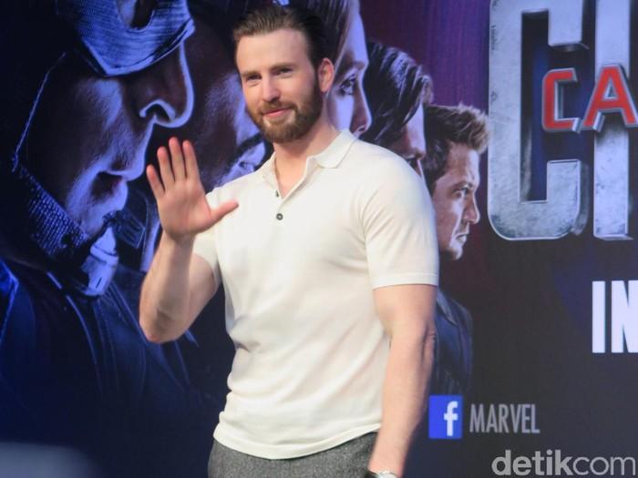Bintang utama Captain America: Civil War menggelar jumpa pers di Singapura