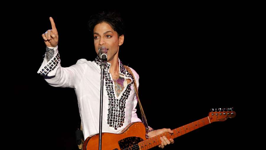 Legenda Musik Dunia Prince Meninggal di Usia 57