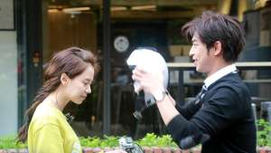 Cantiknya Song Ji Hyo