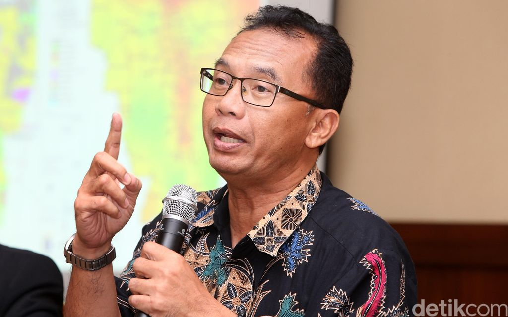 Pengamat Tata Kota Universitas Trisakti  -- Pengamat tata kota dari Universitas Trisakti Yayat Supriatna dalam sebuah diskusi di Jakarta, Jumay (22/4/2016)