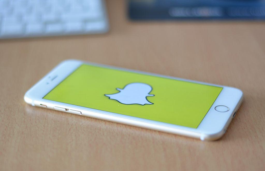 Aplikasi messaging Snapchat dibuat oleh perusahaan Snap buatan Evan Spiegel pada tahun 2011. Valuasinya saat ini USD 21,7 miliar, tapi tahun 2018 merugi USD 1,3 miliar. Foto: internet