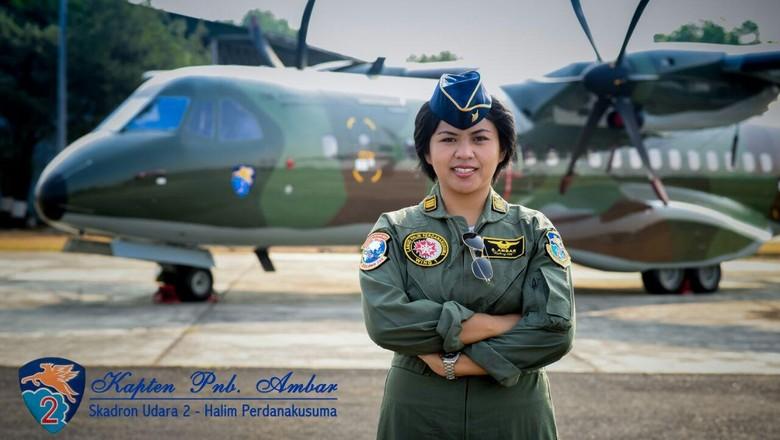 Mengenal Pilot Wanita TNI AU Kapten Ambar, Lembut di Rumah Tangguh di Udara