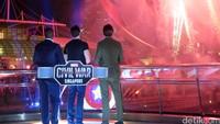 Pesta kembang api berlangsung dengan meriah selama kurang lebih lima menit.