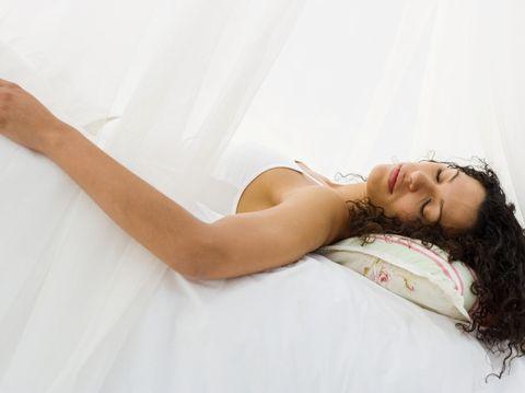 Ilustrasi tidur telentang