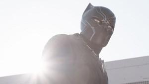 Black Panther, Superhero yang Lahir di Tengah Intrik Politik