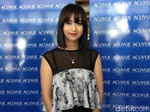 Tips Merawat Softlens Agar Selalu Higienis dari Beauty Blogger Sasyachi