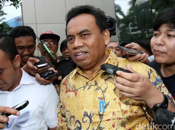 Sekretaris Daerah (Sekda) DKI Jakarta Saefullah menjalani pemeriksaan di KPK. Ia diperiksa sebagai saksi terkait kasus suap pembahasan Raperda mengenai reklamasi teluk Jakarta.