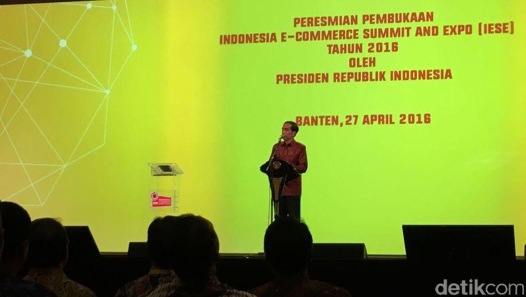 Di depan para pelaku usaha e-commerce, Jokowi membakar semangat dan menekankan agar Indonesia harus mengejar ketertinggalan di bidang bisnis berbasis online. Foto: detikINET/Achmad Rouzni Noor II