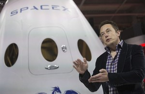Elon Musk dan Para Wanita Cantik yang Ditaklukkannya