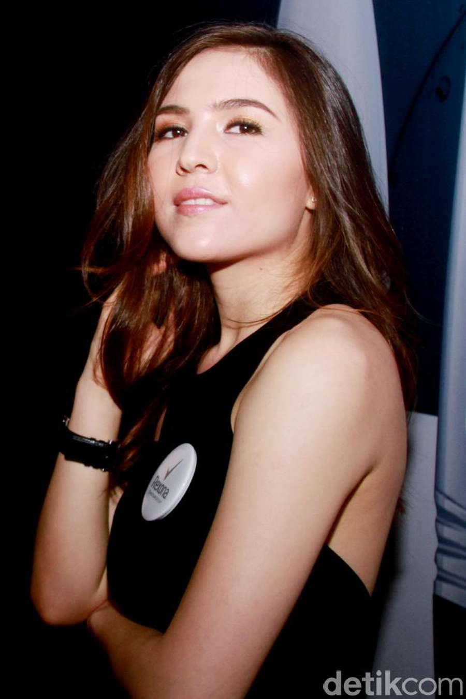 Olivia Jensen, Pretty in Black