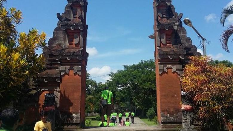 Wisata Ke Pura Lingsar