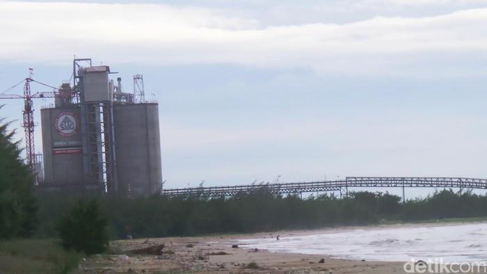 pabrik PT Semen Indonesia