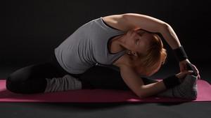 Yoga Disebut Paling Efektif Redakan Gejala PMS