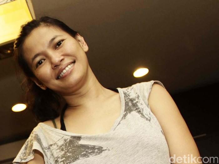 Djenar Maesa Ayu lahir di Jakarta, 14 Januari 1973; umur 43 tahun adalah seorang aktris pemeran, penyiar berita utama wanita dan pemimpin redaksi yang berdomisli dari Jakarta dalam program berita Lensa Indonesia Sore Rajawali Televisi untuk akhir pekan sejak pada tanggal 3 Mei 2014.