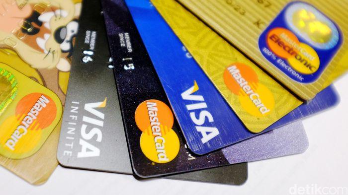 Kartu VISA dan Mastercard/Foto: Ari Saputra