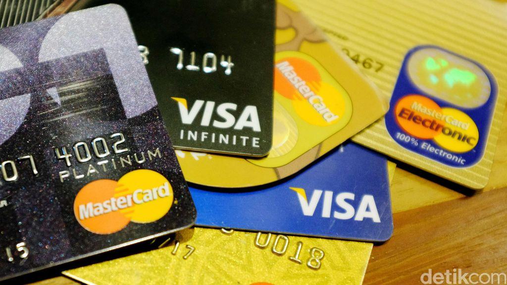 Kartu Kredit Jadi Primadona Beli Baju Lebaran hingga Tiket Pesawat