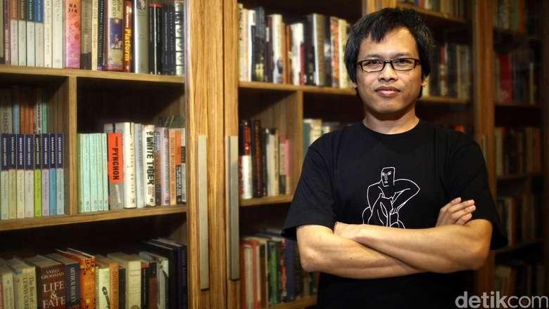 Eka Kurniawan Tolak Anugerah Kebudayaan 2019 dari Kemendikbud