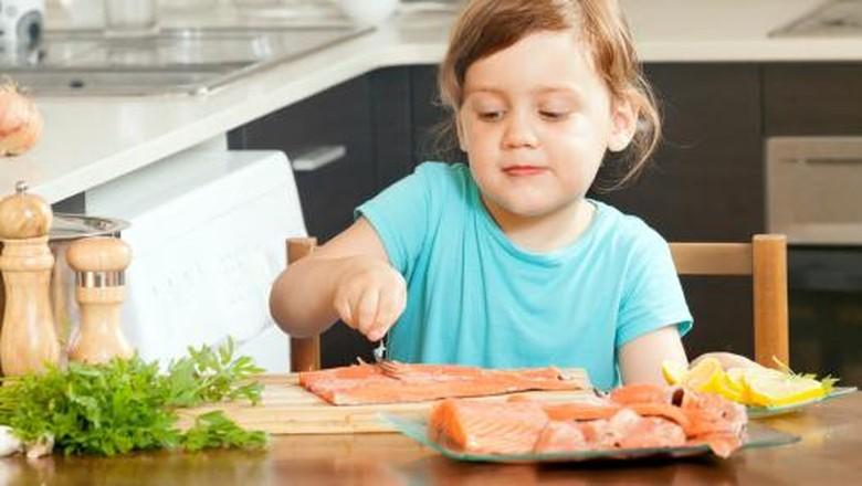 Kebiasaan yang bikin nutrisi di makanan anak hilang/ Foto: Thinkstock