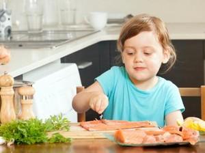 Kebiasaan Ini Bikin Kandungan Gizi di Makanan Anak Hilang, Lho