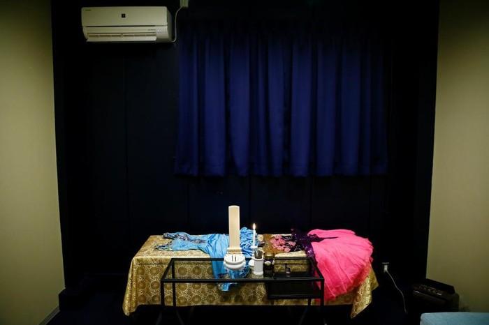 Tarif yang diberikan pun tidak terlalu mahal, kurang lebih 9000 yen atau Rp 1,1 juta untuk satu malam. Masing-masing jenazah diberi waktu maksimal 4 hari untuk menginap. (Foto: Thomas Peter/Reuters)
