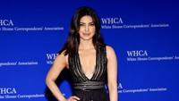 Bagaimana menurut Anda penampilan Priyanka kali ini? Larry Busacca/Getty Images/detikFoto.