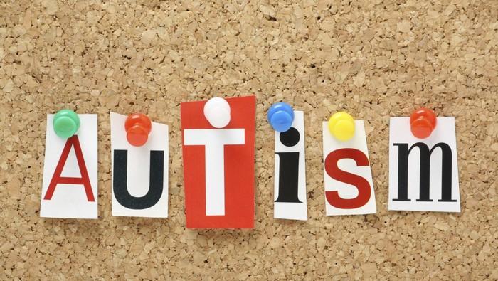 Ada anak autis dilarang naik pesawat di Yogyakarta. Foto: Thinkstock