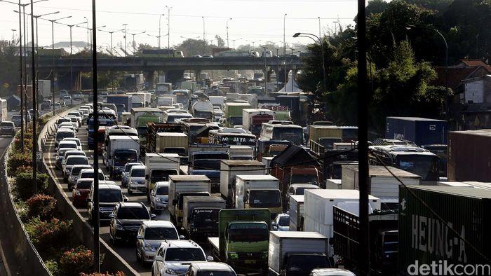Ilustrasi Tol Jakarta-Cikampek Macet Parah Foto: Rengga Sancaya
