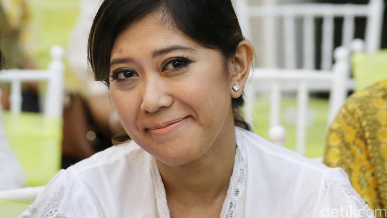 Tugas Baru Meutya Hafid Kawal Jokowi