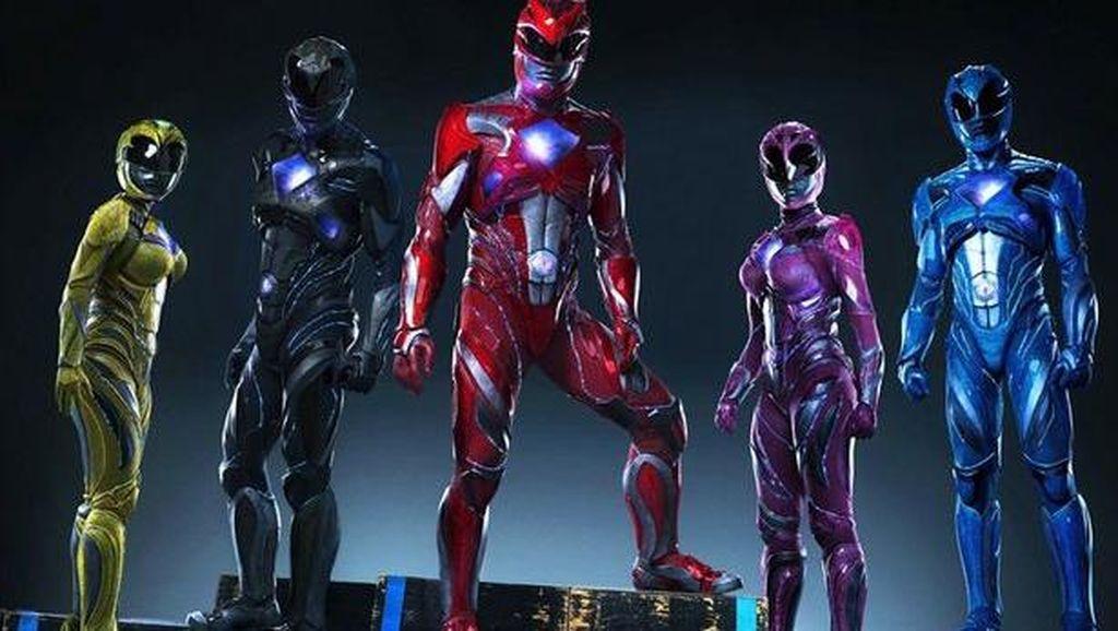 Pakai Wedges, Kostum Power Rangers Terbaru Tuai Kontroversi