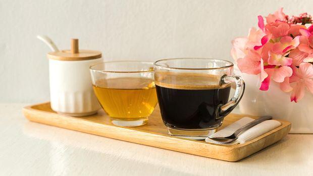 Minuman seperti teh dan kopi mengandung tannin.