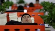 Menengok Budaya Kerja Gila-gilaan 996 di China